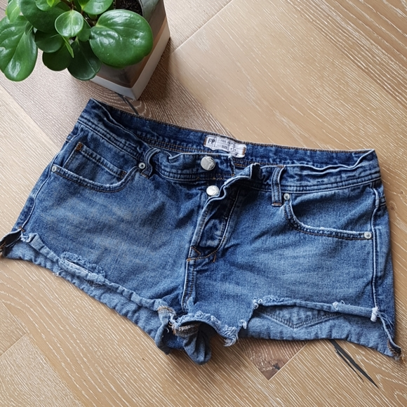 Free People Pants - Free People denim shorts 29